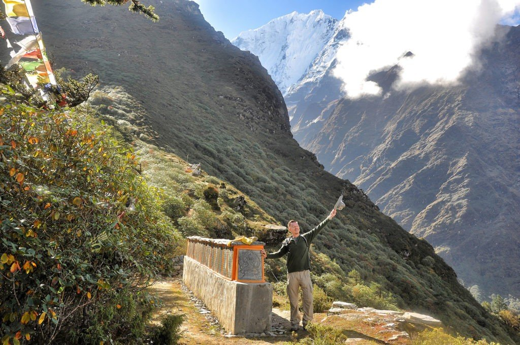 Papular hiking trails in nepal
